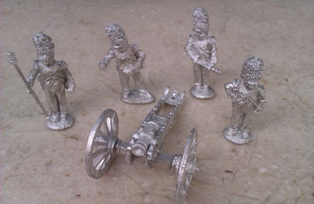 GUARD FOOT ARTILLERY PRIMING 5.5IN HOWITZER