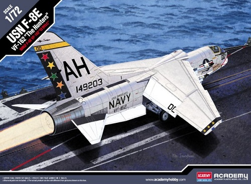 USN F-8E VF-162 THE HUNTERS 1/72 12521 ACADEMY