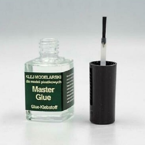 GLUE IN GLASS WITH A FRINGE 12ML.
